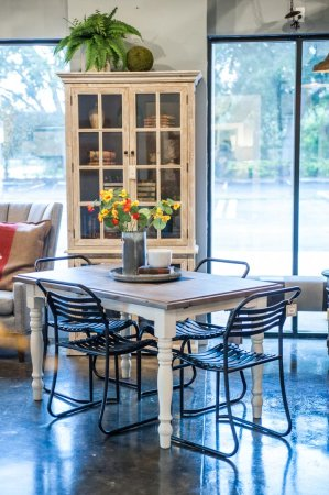 Rustic Farm table and chairs in Adjectives Altamonte