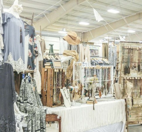 Beaux Studios at The Unhinged Market
