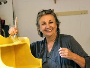 Annie Sloan painting with her Chalk Paint®©